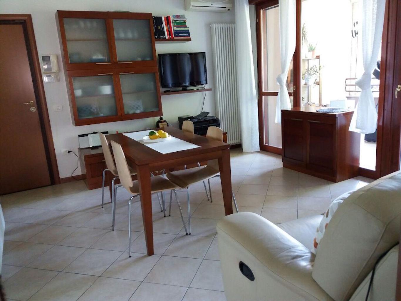 Appartamento in vendita a Sant'Ilario d'Enza, 2 locali, prezzo € 127.000 | CambioCasa.it