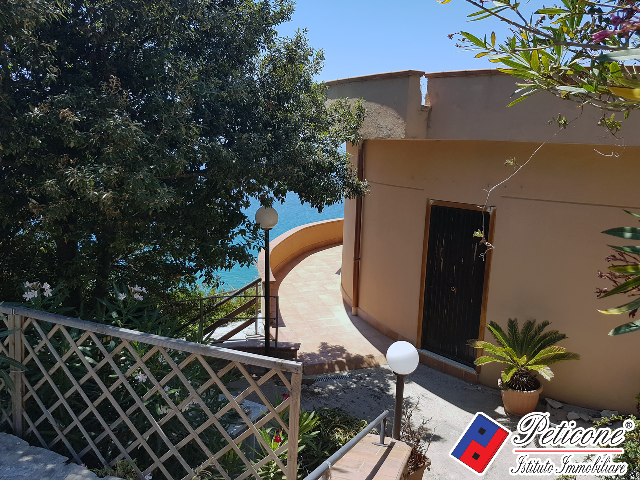 Villa in Vendita a Sperlonga: 4 locali, 90 mq - Foto 1