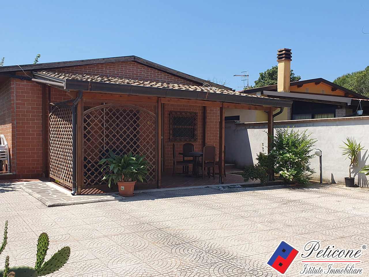 Villa in Vendita a Fondi: 4 locali, 50 mq - Foto 1
