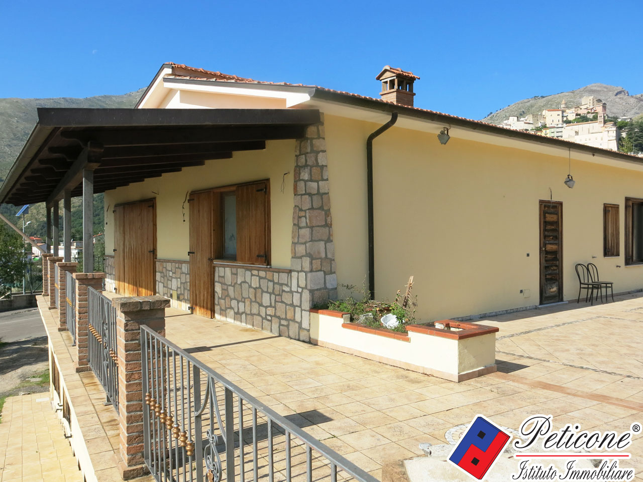 Villa in Vendita a Formia: 4 locali, 90 mq - Foto 1