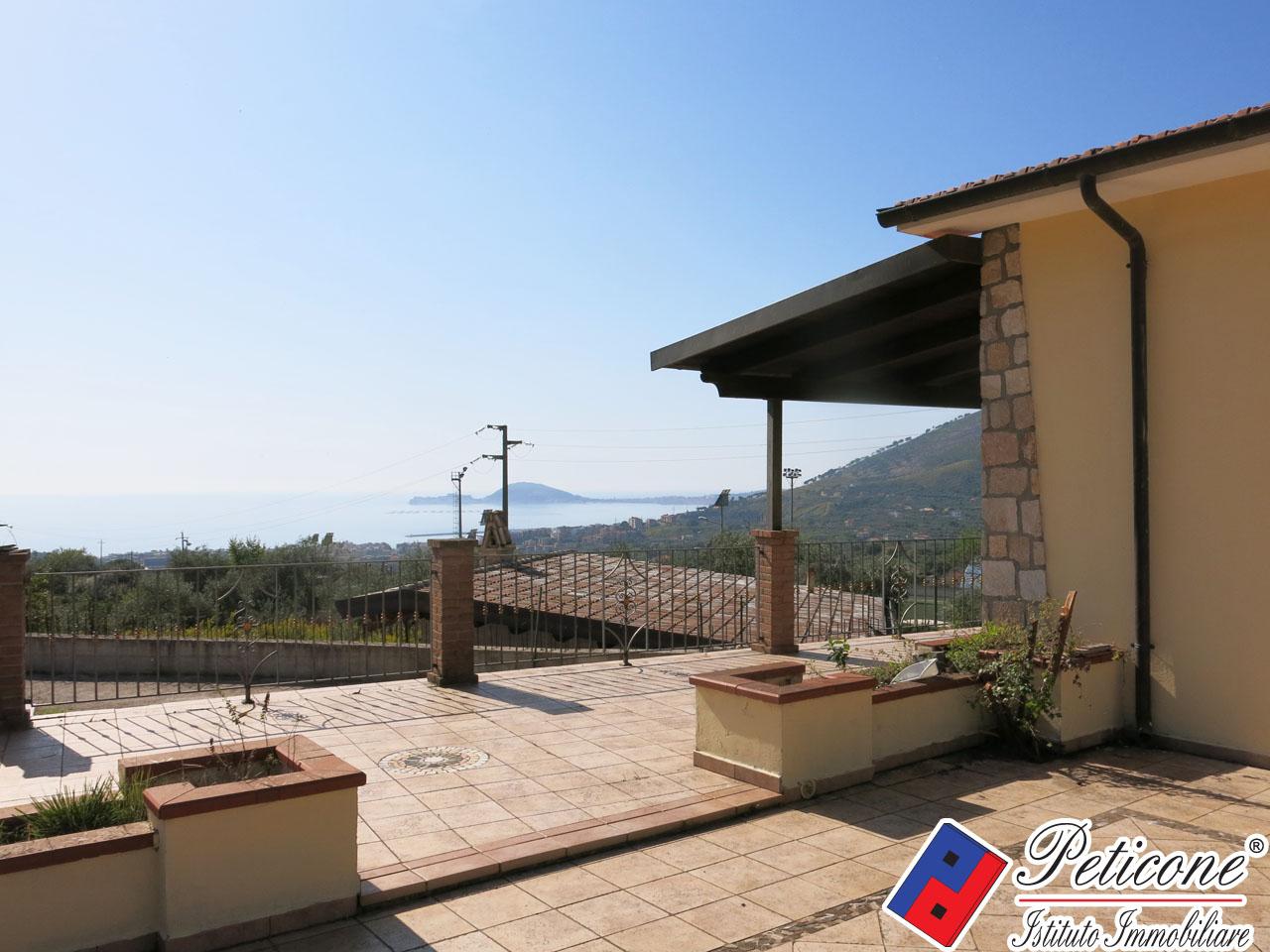 Villa in Vendita a Formia: 4 locali, 90 mq - Foto 2