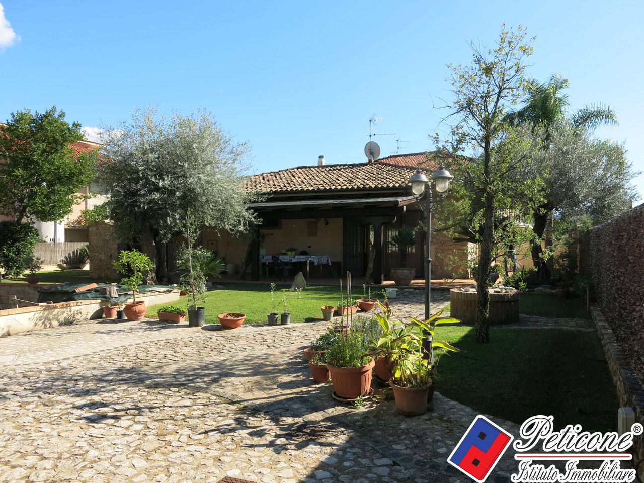Villa in Vendita a Fondi: 3 locali, 107 mq - Foto 2