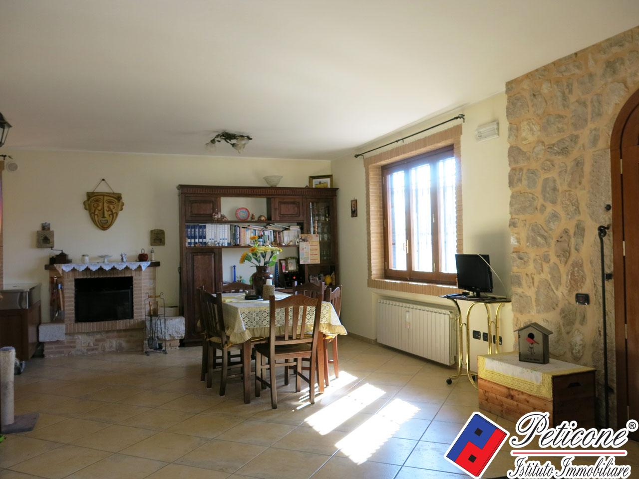 Villa in Vendita a Fondi: 3 locali, 107 mq - Foto 5