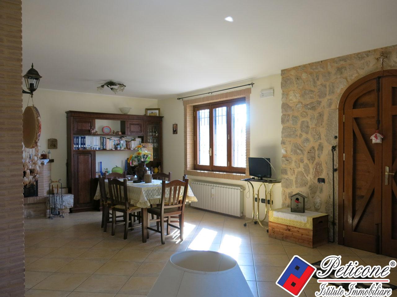 Villa in Vendita a Fondi: 3 locali, 107 mq - Foto 4