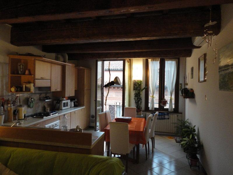 Appartamento in affitto a Ferrara, 2 locali, zona Località: Centrostorico, prezzo € 500 | CambioCasa.it