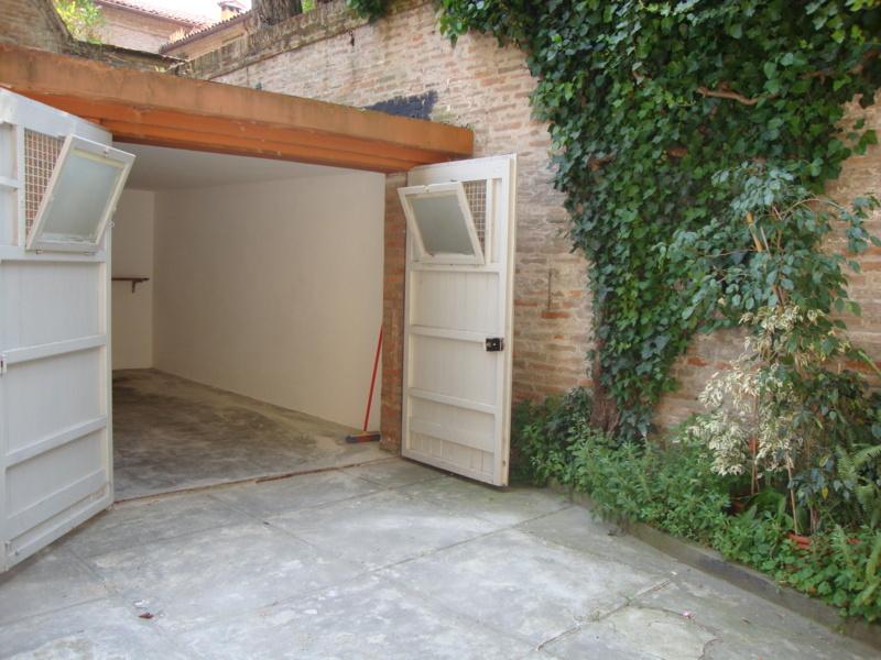 Garage posti auto in affitto a ferrara for Garage in affitto