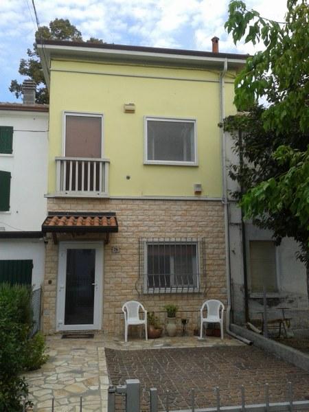 Soluzione Indipendente in vendita a Ostellato, 4 locali, prezzo € 79.000 | CambioCasa.it