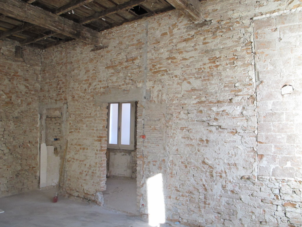 Soluzione Indipendente in vendita a Ferrara, 6 locali, zona Località: Centrostorico, prezzo € 150.000 | CambioCasa.it