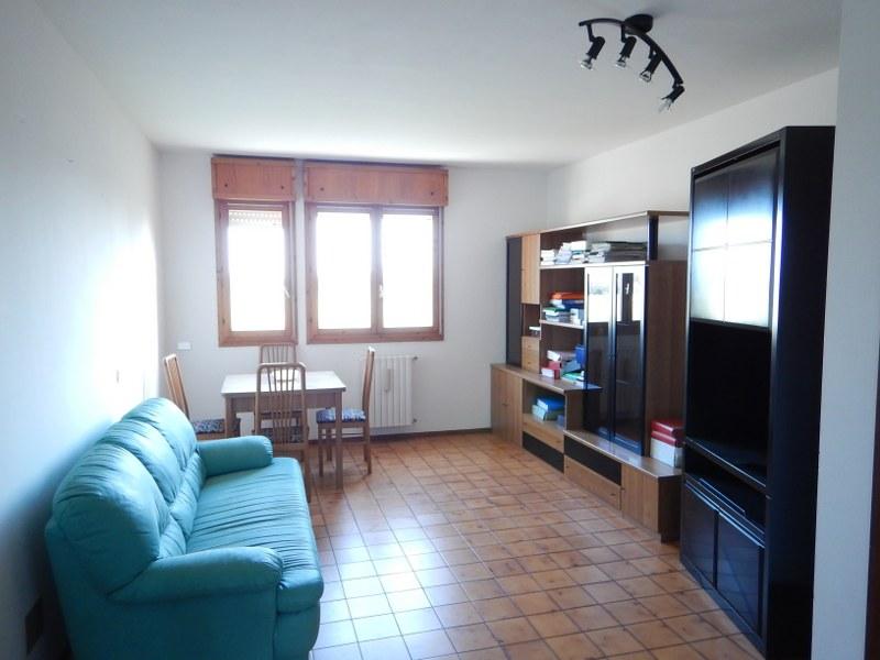 Appartamento in vendita a Voghiera, 4 locali, zona Zona: Voghenza, prezzo € 78.000   CambioCasa.it