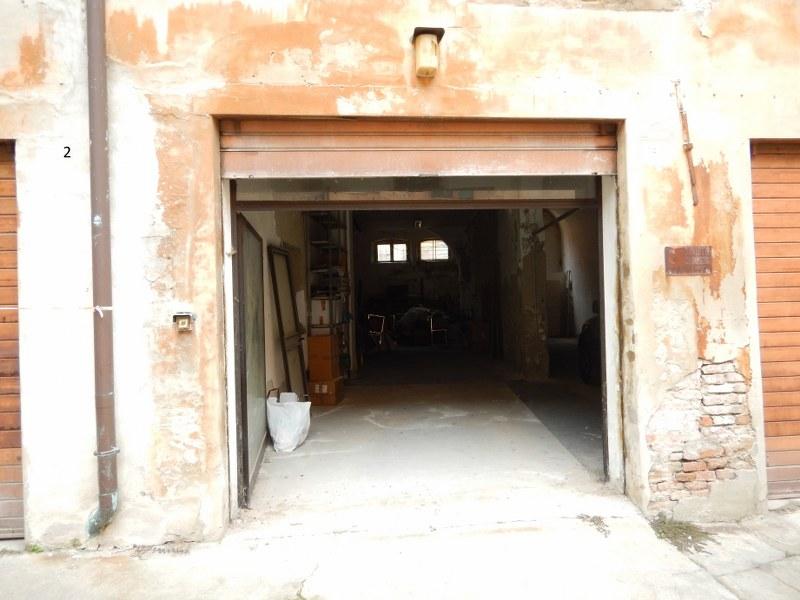 Box / Garage in vendita a Ferrara, 1 locali, zona Località: Centrostorico, prezzo € 75.000 | CambioCasa.it
