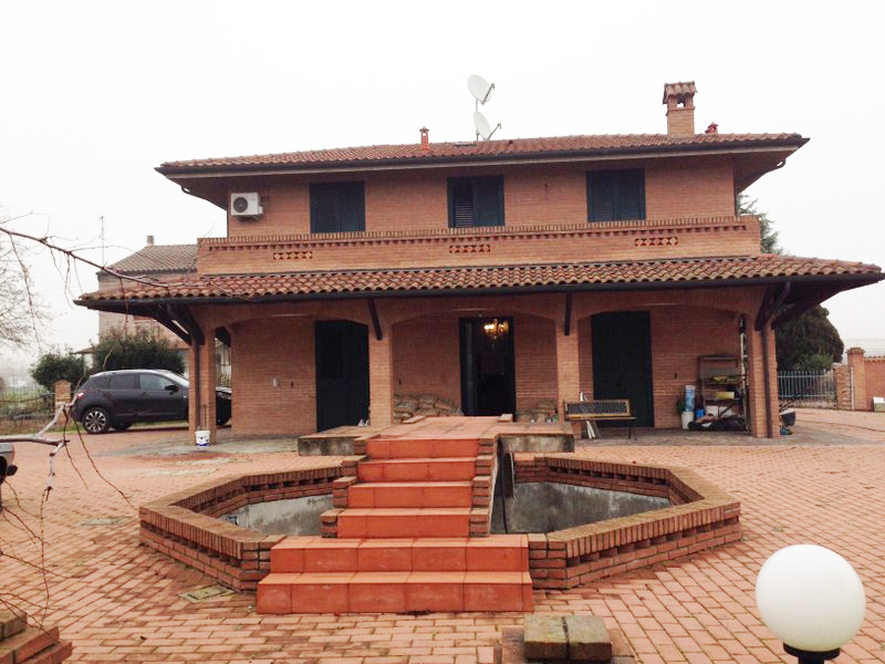 Soluzione Indipendente in vendita a Ferrara, 5 locali, zona Località: FuoriMura-ZonaNord-Ovest, prezzo € 330.000 | CambioCasa.it