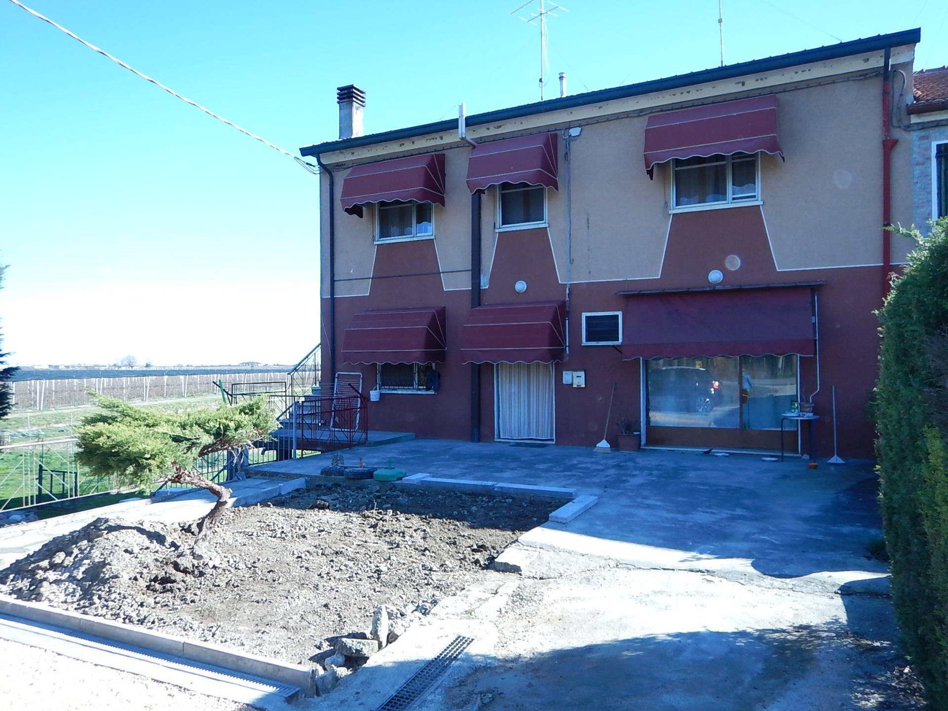 Soluzione Indipendente in vendita a Formignana, 6 locali, prezzo € 129.000 | CambioCasa.it