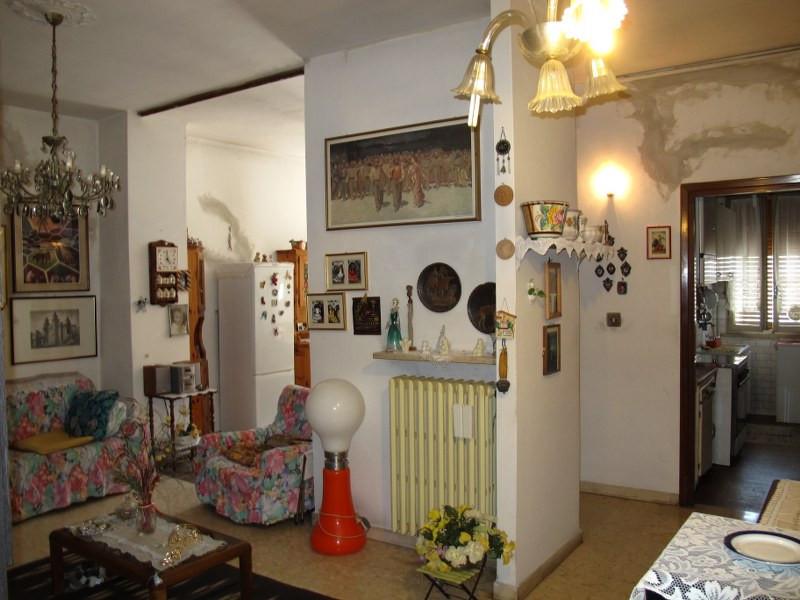 Appartamento in vendita a Ferrara, 3 locali, zona Località: Centrostorico, prezzo € 62.000 | CambioCasa.it