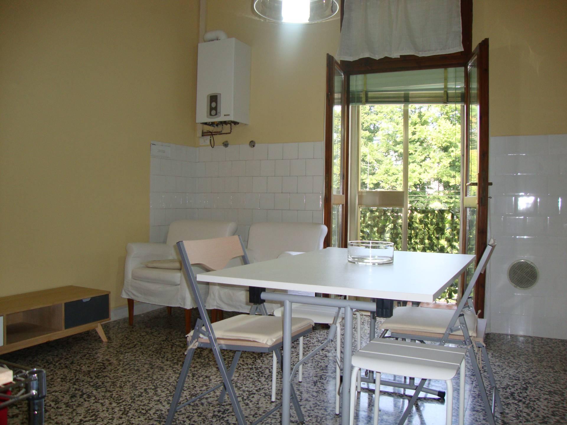 Appartamento in affitto a Ferrara, 4 locali, zona Località: Centrostorico, prezzo € 800 | CambioCasa.it