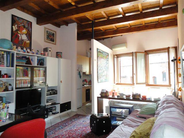 Appartamento in affitto a Ferrara, 1 locali, zona Località: Centrostorico, prezzo € 400 | CambioCasa.it