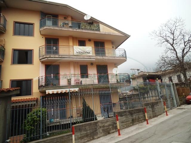 Appartamento in vendita a Sirignano, 4 locali, prezzo € 98.000 | Cambio Casa.it
