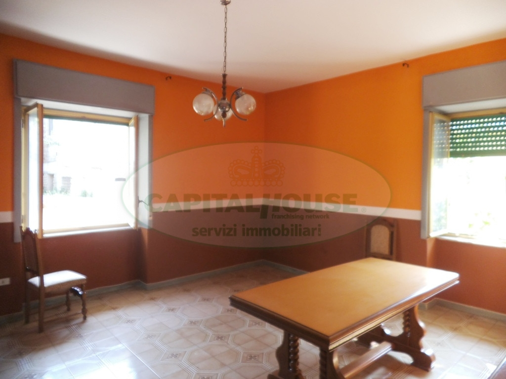 Appartamento in affitto a Sirignano, 4 locali, prezzo € 400 | CambioCasa.it