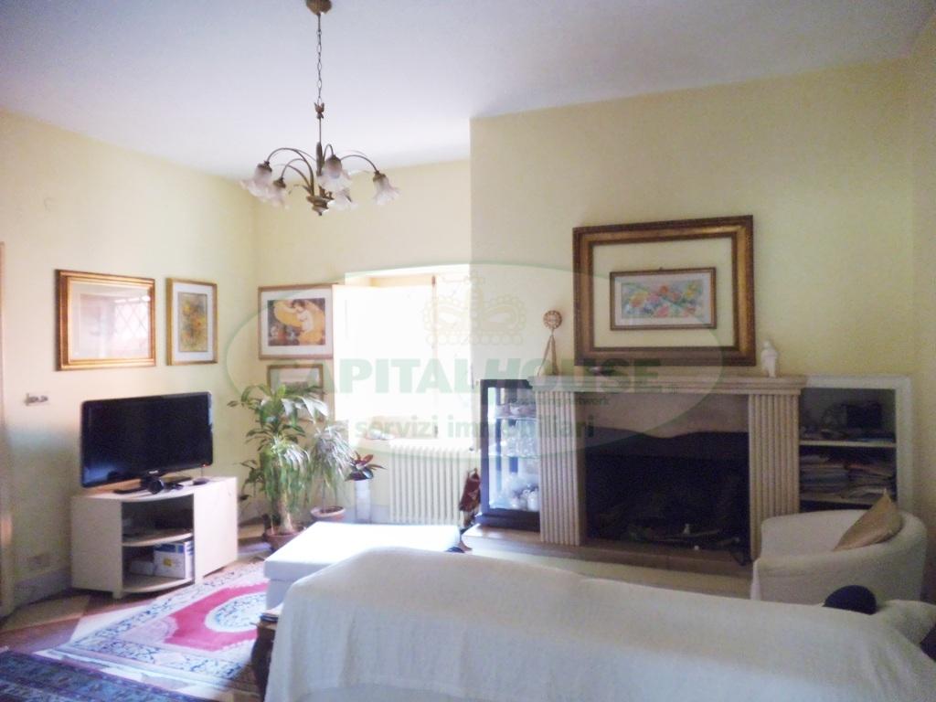 Villa in vendita a Avella, 6 locali, prezzo € 320.000 | Cambio Casa.it