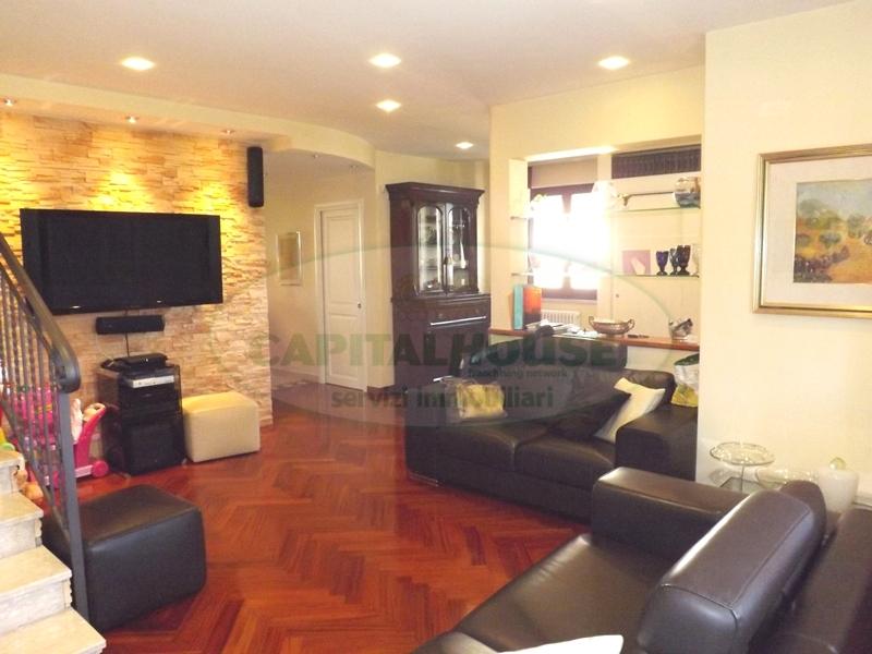 Villa in vendita a Aiello del Sabato, 4 locali, prezzo € 390.000 | Cambio Casa.it