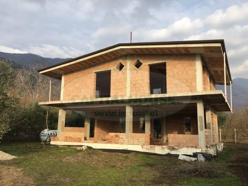 Villa in vendita a Avella, 5 locali, prezzo € 123.000 | Cambio Casa.it