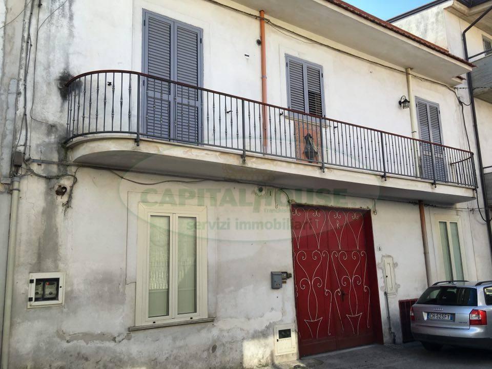 Appartamento in vendita a Avella, 4 locali, prezzo € 125.000 | CambioCasa.it