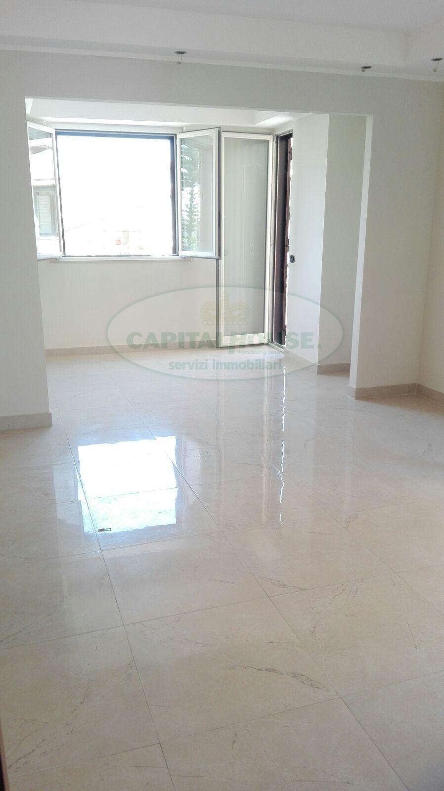 Appartamento in vendita a Macerata Campania, 3 locali, prezzo € 115.000 | Cambio Casa.it