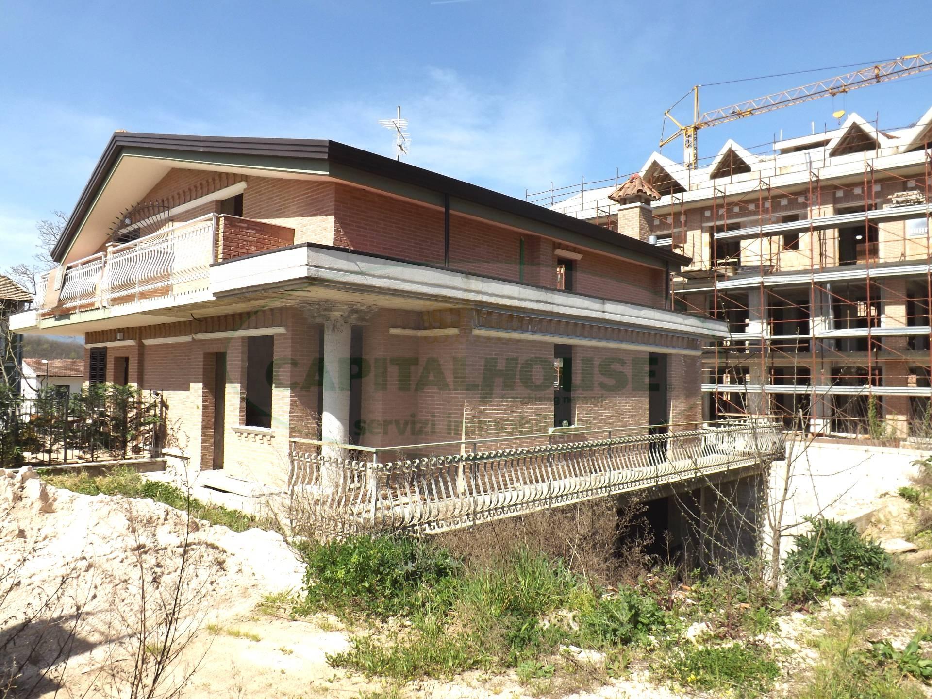 Villa in vendita a Cesinali, 3 locali, prezzo € 265.000 | Cambio Casa.it