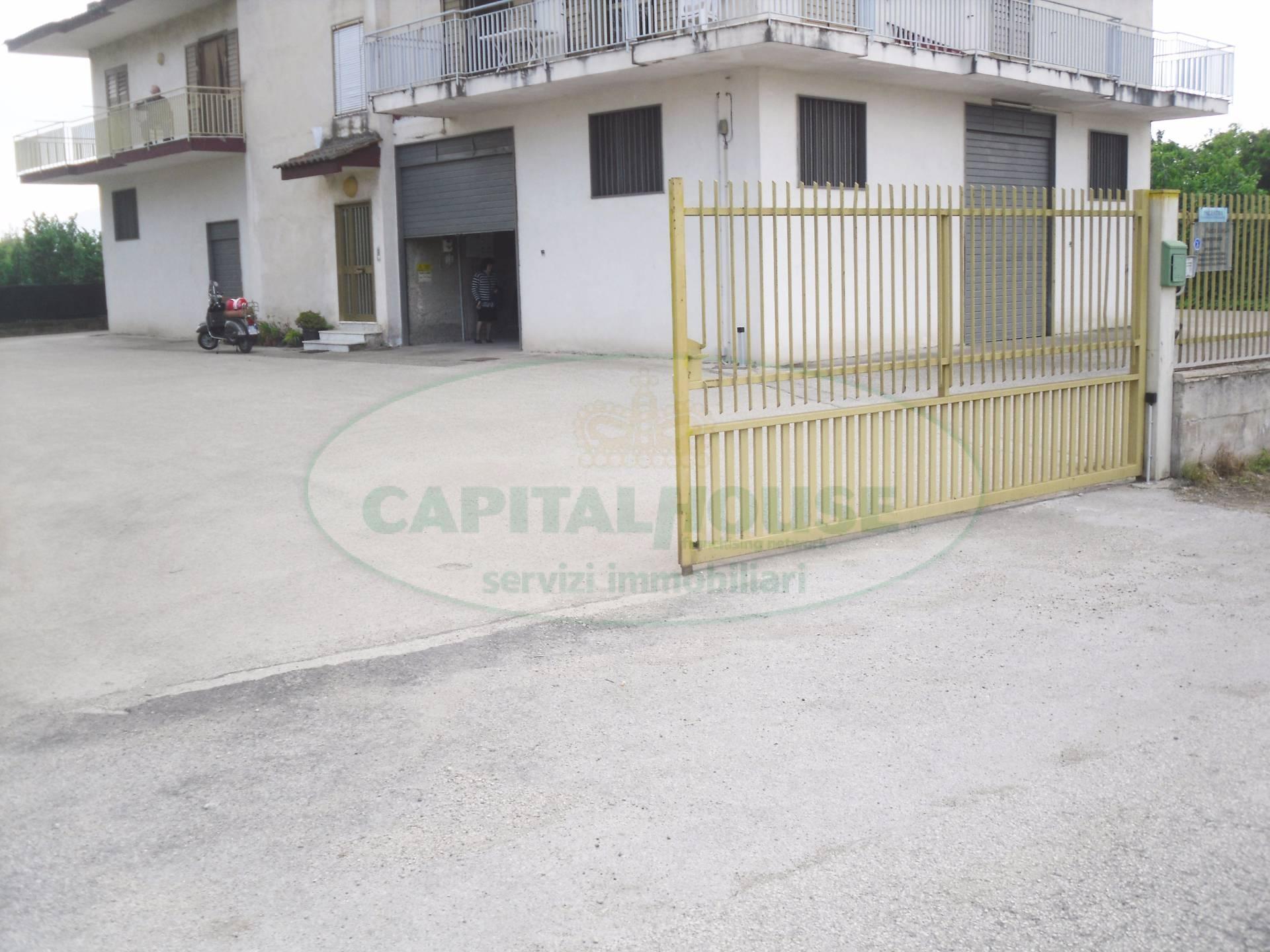 Negozio / Locale in affitto a Nola, 9999 locali, prezzo € 700 | Cambio Casa.it