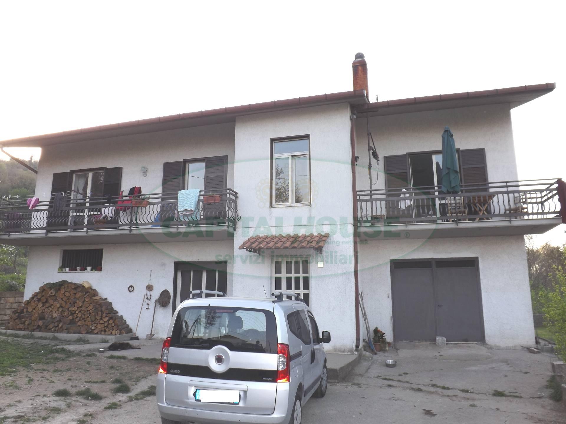 Villa in vendita a Aiello del Sabato, 4 locali, prezzo € 215.000 | Cambio Casa.it