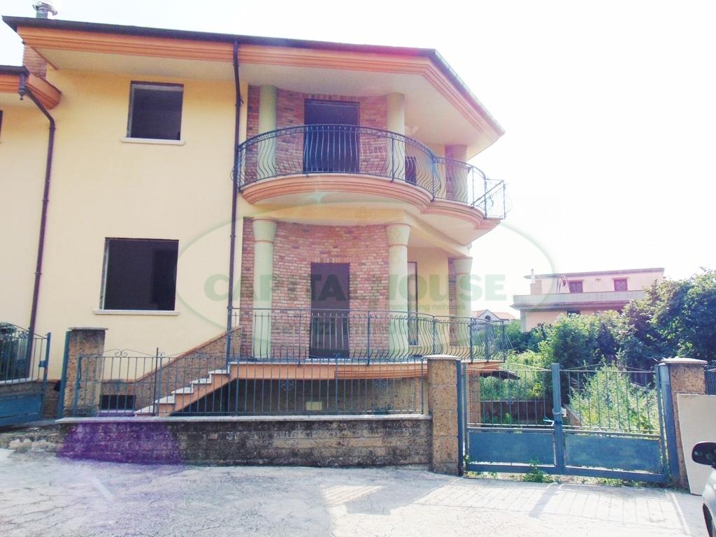 Villa in vendita a Mugnano del Cardinale, 5 locali, prezzo € 330.000 | Cambio Casa.it