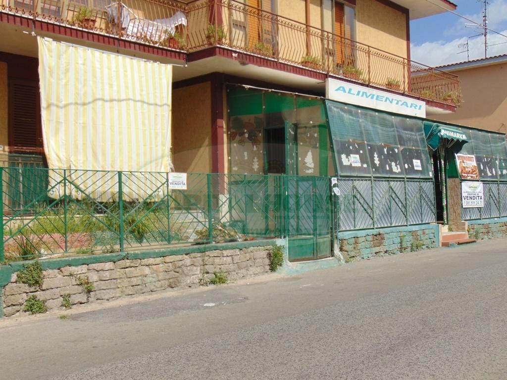 Negozio / Locale in vendita a Sirignano, 9999 locali, prezzo € 140.000 | Cambio Casa.it