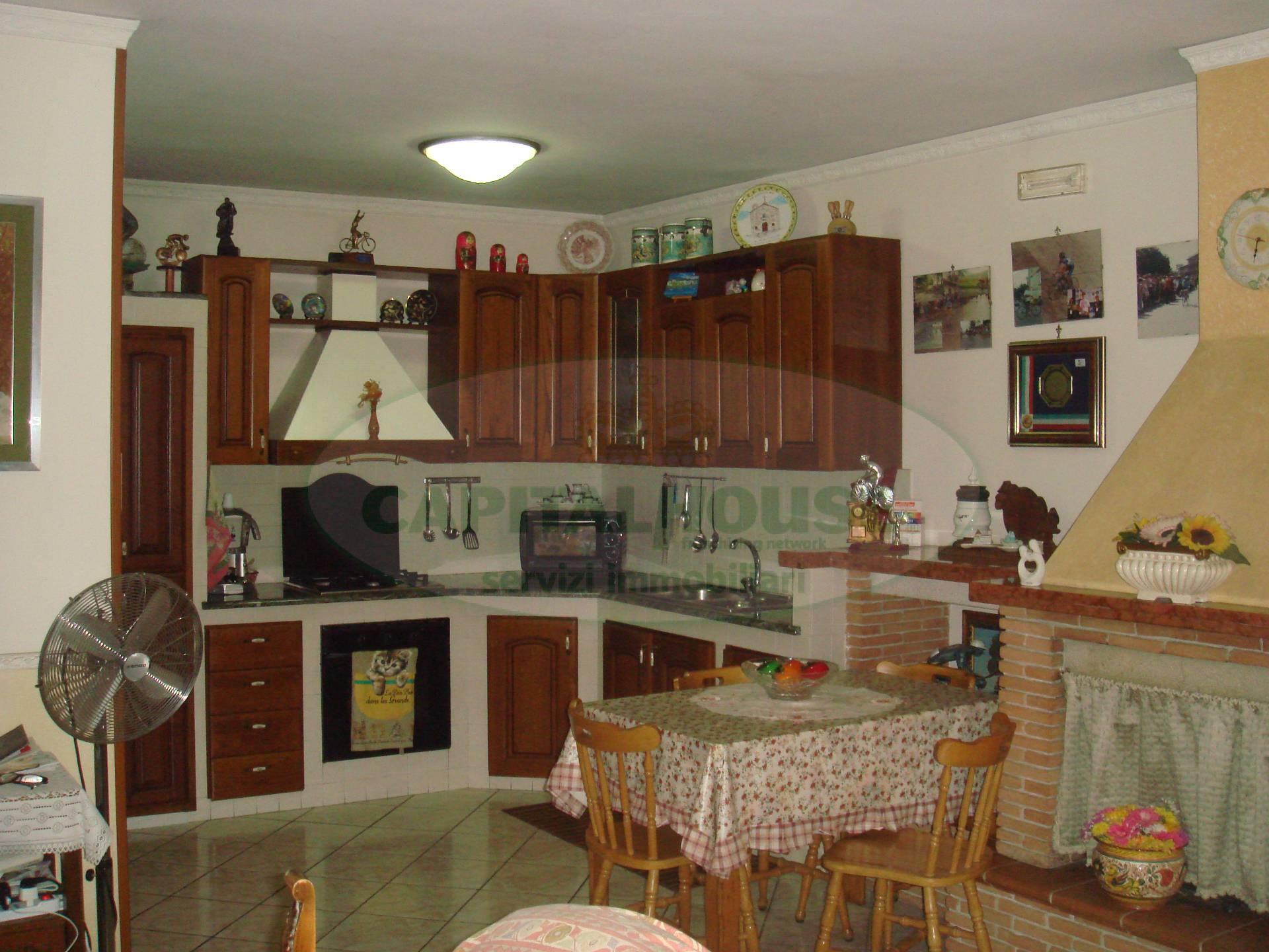 Soluzione Indipendente in vendita a San Tammaro, 4 locali, prezzo € 99.000 | Cambio Casa.it