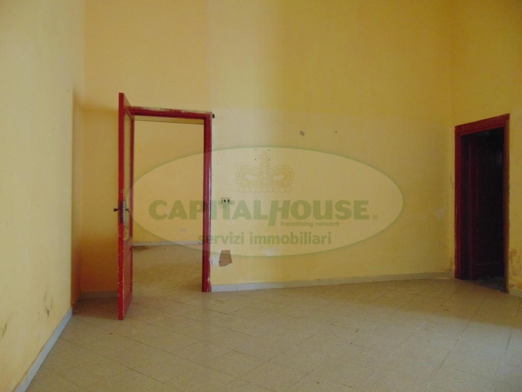 Appartamento in vendita a Sirignano, 3 locali, prezzo € 28.000 | Cambio Casa.it