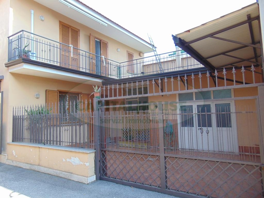 Soluzione Indipendente in vendita a Avella, 4 locali, prezzo € 200.000 | Cambio Casa.it