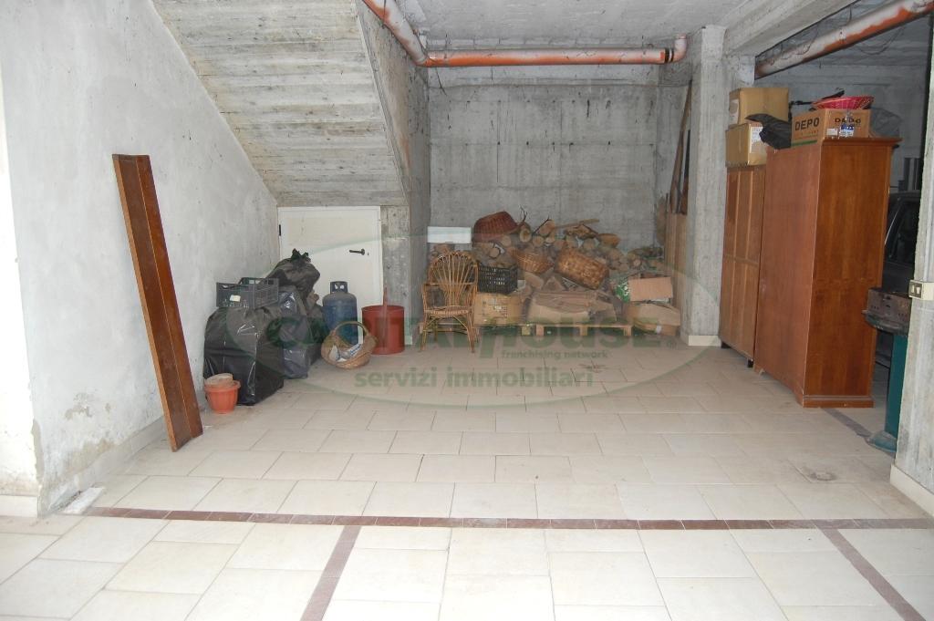 Bilocale Monteforte Irpino Via Campi 9
