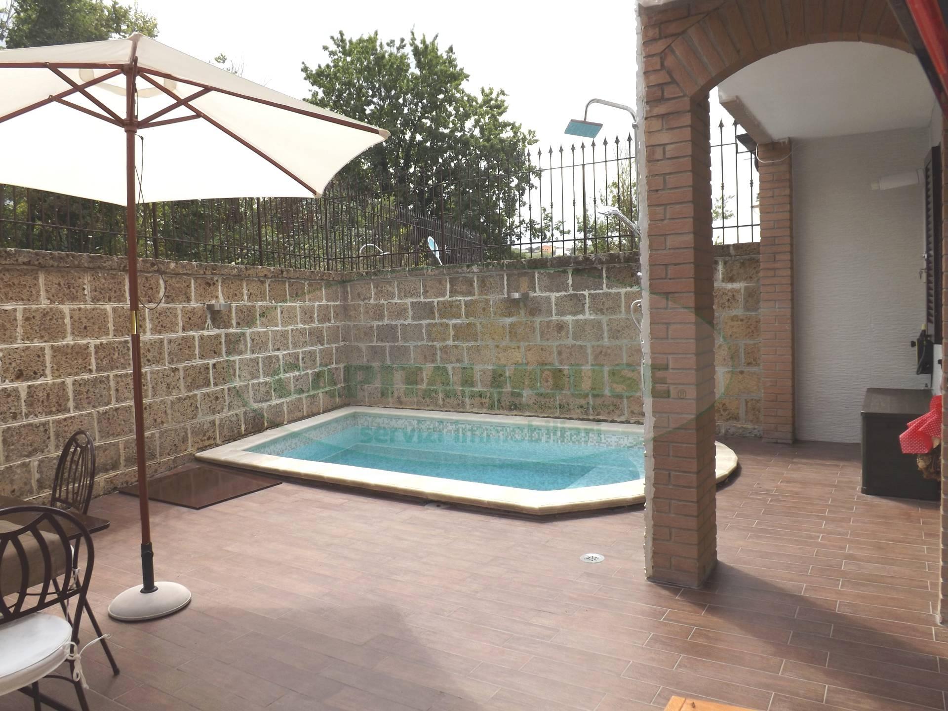 Villa a Schiera in vendita a Pratola Serra, 4 locali, prezzo € 200.000 | Cambio Casa.it