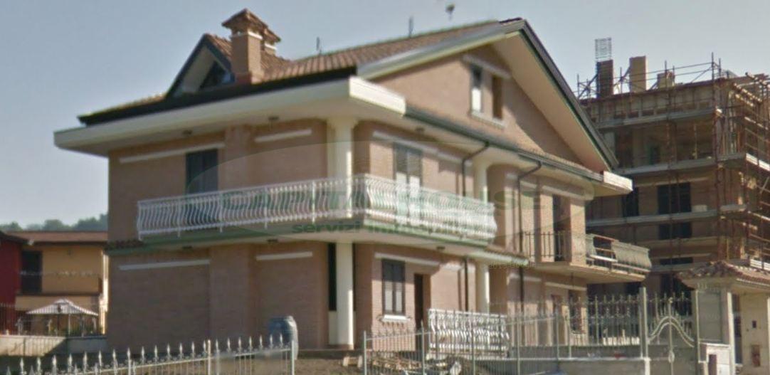 Villa in Vendita a Cesinali