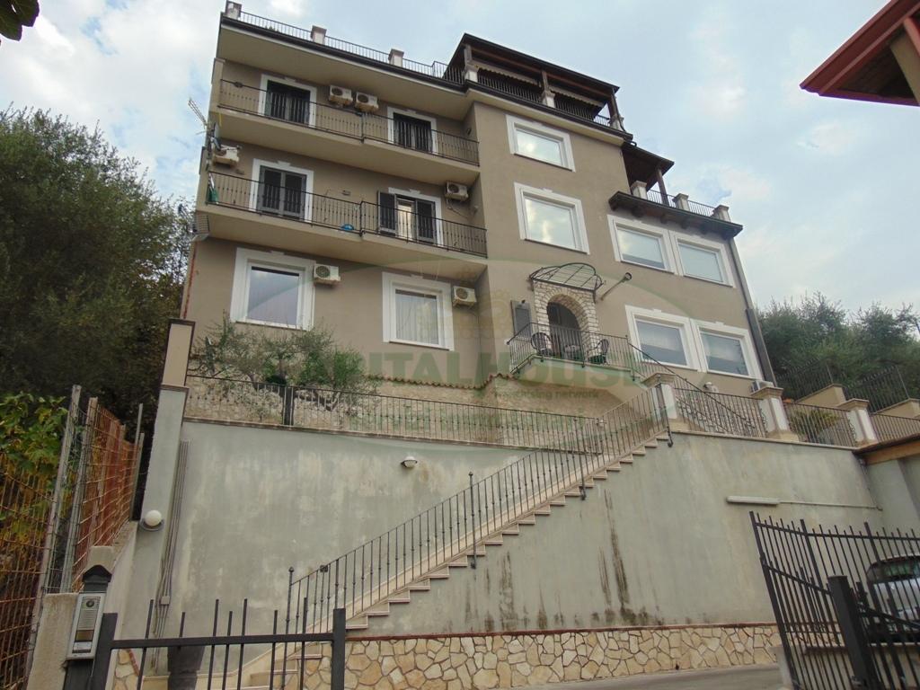 Appartamento in vendita a Quadrelle, 4 locali, prezzo € 265.000 | Cambio Casa.it