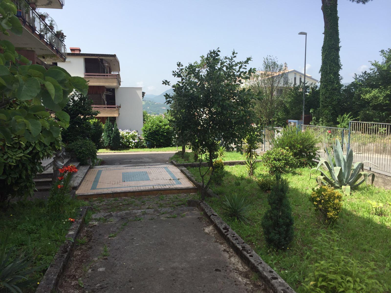 Appartamento in vendita a Avellino, 6 locali, zona Località: ViaTuoroCappuccini, Trattative riservate | Cambio Casa.it