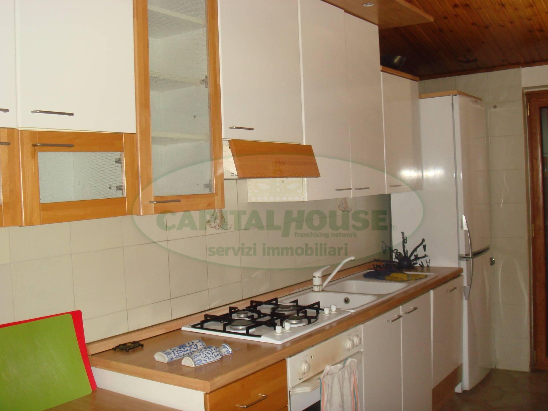 Attico / Mansarda in affitto a Santa Maria Capua Vetere, 4 locali, prezzo € 600 | Cambio Casa.it