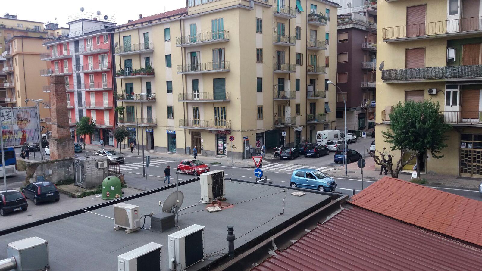Appartamento in affitto a Avellino, 4 locali, zona Località: ViaCarducci, prezzo € 400 | Cambio Casa.it