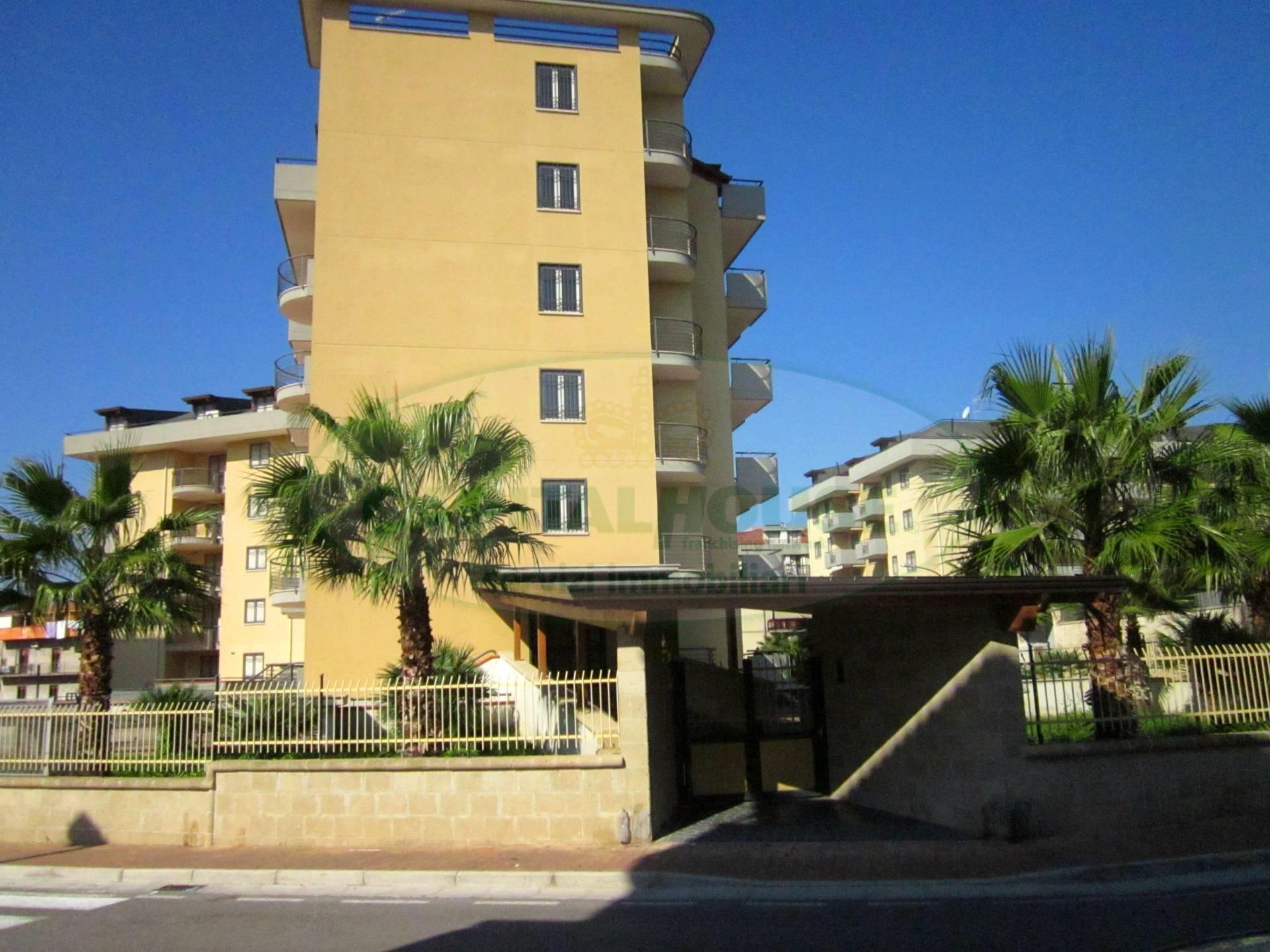 Appartamento in affitto a San Nicola la Strada, 4 locali, zona Località: ExS.Gobain, prezzo € 900 | CambioCasa.it