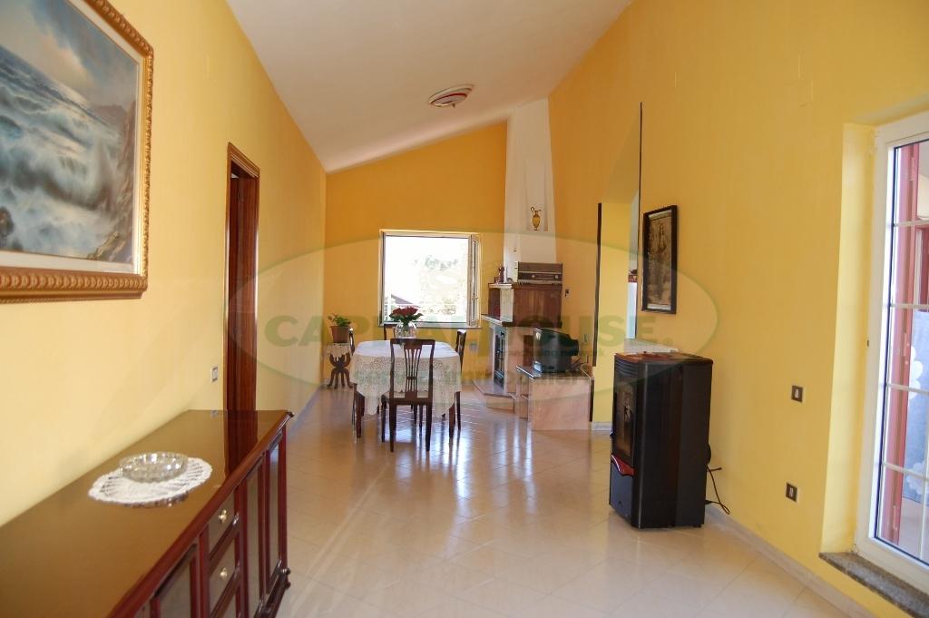 Attico / Mansarda in vendita a Monteforte Irpino, 3 locali, zona Zona: Alvanella, prezzo € 95.000 | Cambio Casa.it