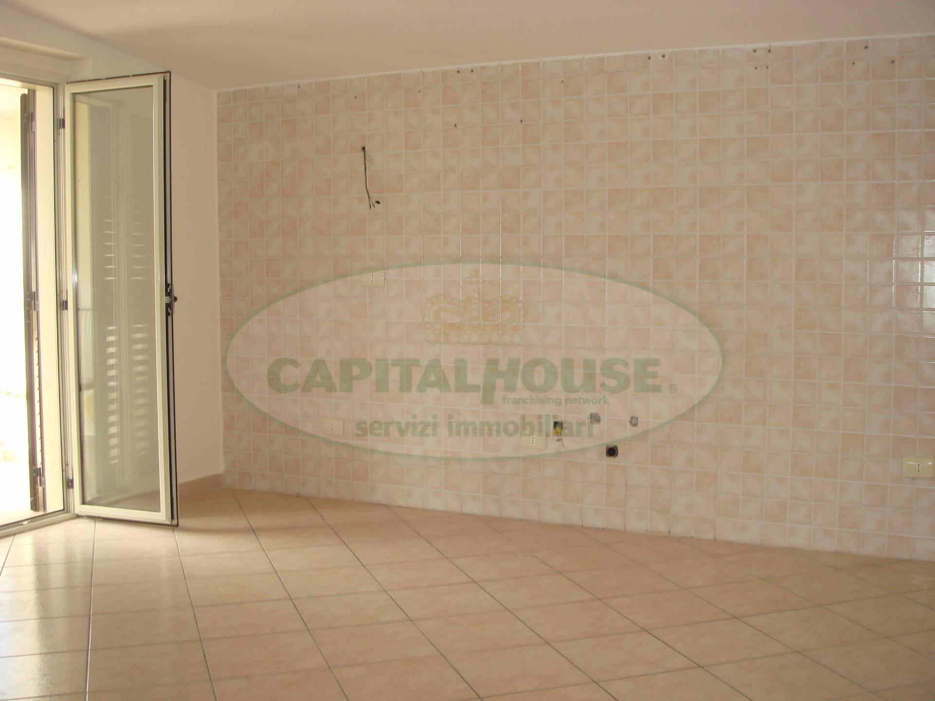 Attico / Mansarda in vendita a Santa Maria Capua Vetere, 4 locali, prezzo € 100.000 | Cambio Casa.it