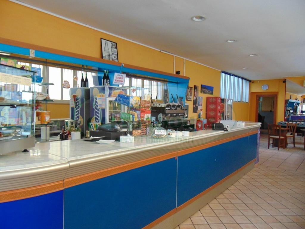 Negozio / Locale in vendita a Quadrelle, 9999 locali, prezzo € 135.000 | CambioCasa.it