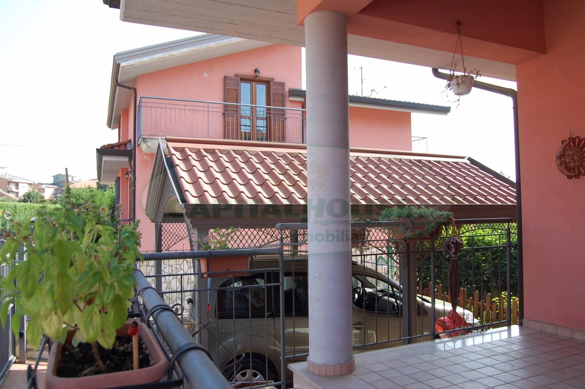 Villa in vendita a Monteforte Irpino, 7 locali, zona Zona: Alvanella, prezzo € 290.000 | Cambio Casa.it