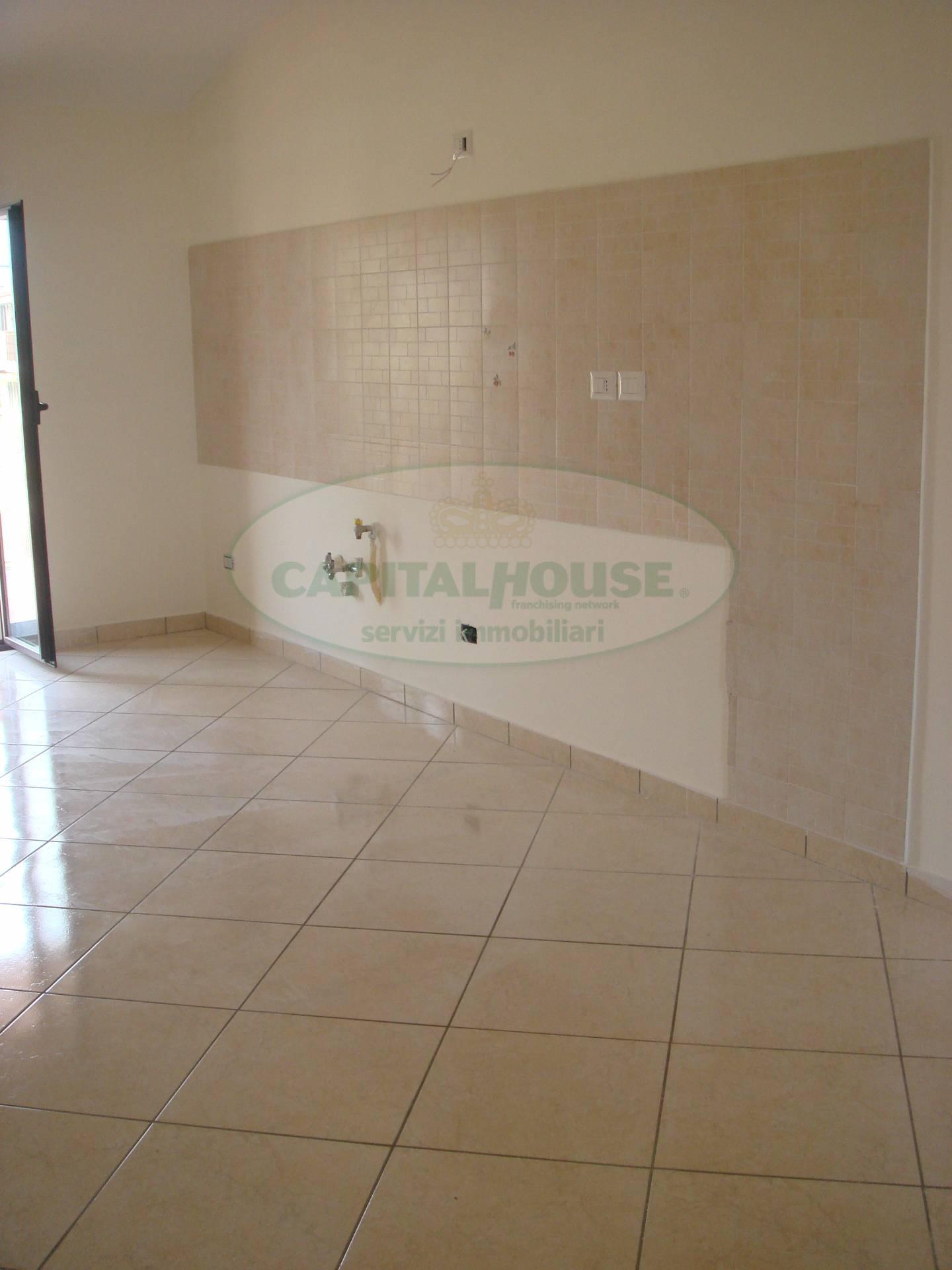 Attico / Mansarda in affitto a Santa Maria Capua Vetere, 3 locali, prezzo € 400 | Cambio Casa.it