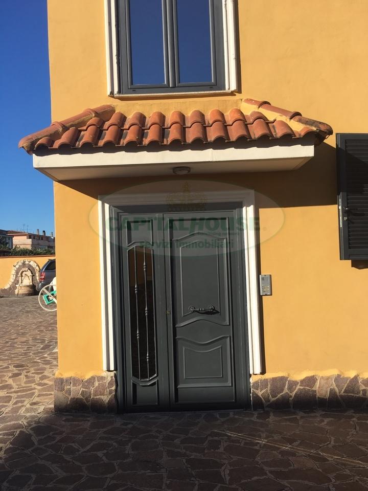 Appartamento in affitto a Capodrise, 4 locali, prezzo € 400 | Cambio Casa.it