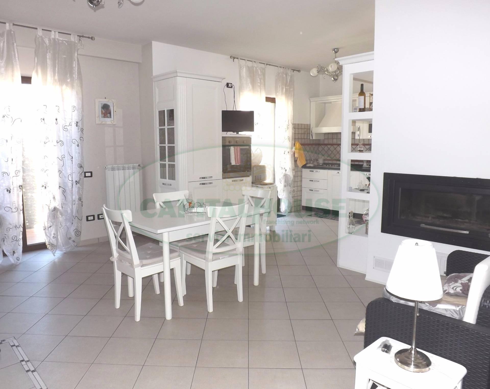 Appartamento in vendita a Pratola Serra, 4 locali, prezzo € 150.000 | Cambio Casa.it