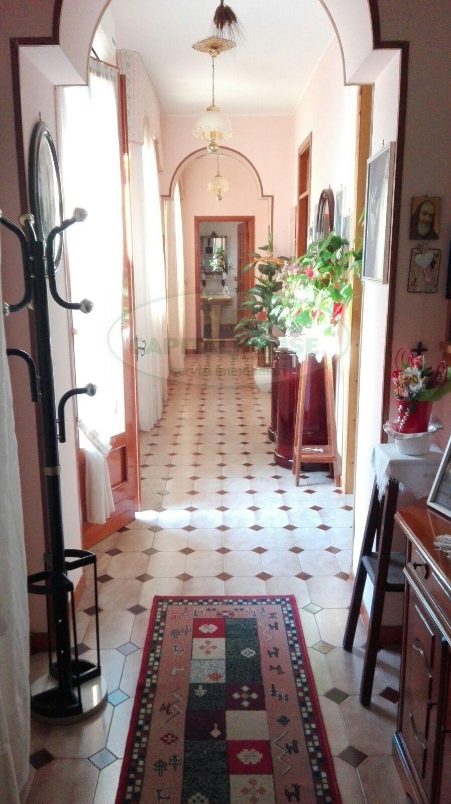 Appartamento in vendita a Capodrise, 3 locali, prezzo € 55.000 | Cambio Casa.it